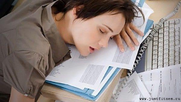 Почему постоянно хочется спать и вялость у женщин и мужчин
